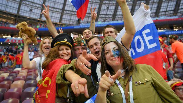 Coupe du Monde 2018: la jubilation des supporters russes après la victoire sur l'Espagne - Sputnik France