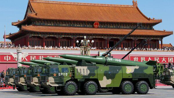 Des missiles chinois de type DF-15 - Sputnik France