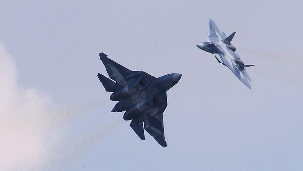 Cazas polivalentes rusos Su-57 (archivo) - Sputnik France