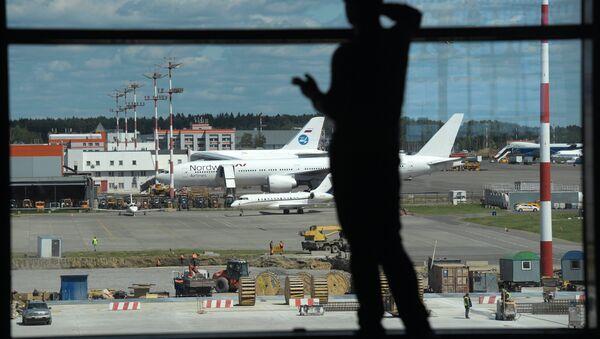 Un passager à l'aéroport - Sputnik France