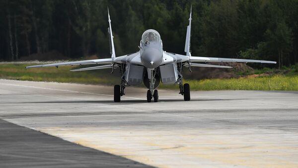 Wielozadaniowy myśliwiec MiG-29 podczas prób na poligonie rosyjskiej fabryki samolotów MiG pod Moskwą - Sputnik France