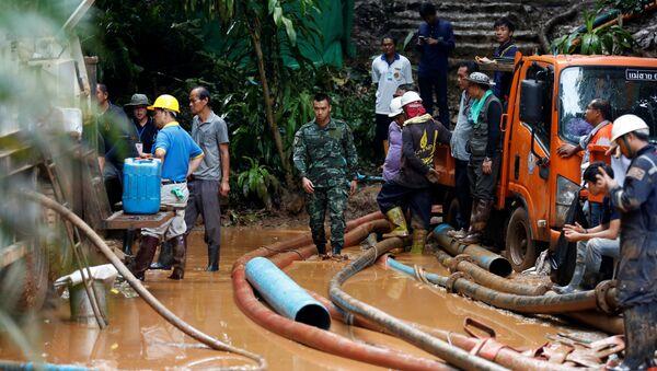 La búsqueda de los niños atrapados en una cueva de Chiang Rai (Tailandia) - Sputnik France