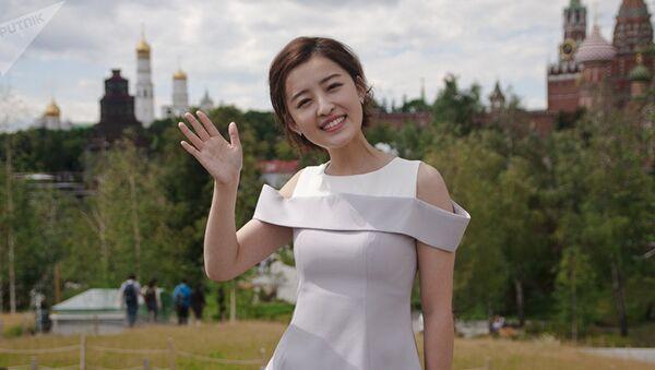26-летняя ведущая CCTV-5  Ян Минмин в Москве - Sputnik France