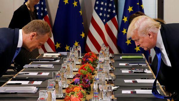 Tusk appelle Trump à respecter les partenaires européens des USA - Sputnik France