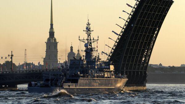 Journée de la marine russe: la répétition du défilé naval à Saint-Pétersbourg - Sputnik France