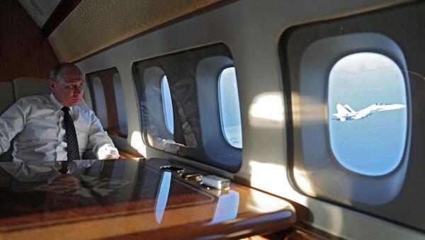 Vladimir Poutine dans son avion - Sputnik France