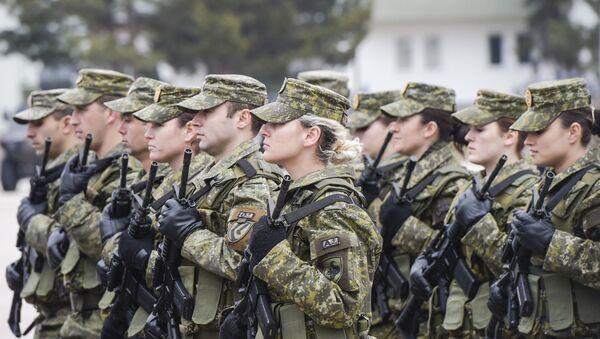 «Il ne s'agit même pas de paix ici»: les USA arment le Kosovo - Sputnik France