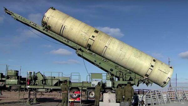 Le lancement d'un missile antimissile modernisé depuis le polygone de Sary Chagan - Sputnik France
