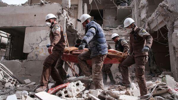 Białe hełmy na przedmieściach Damaszku - Sputnik France