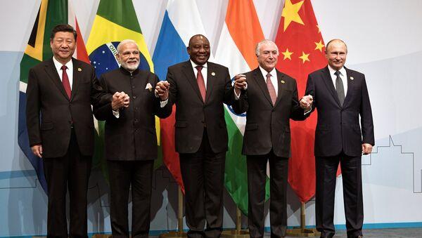 Президент РФ В. Путин на Десятом саммите БРИКС  в ЮАР - Sputnik France