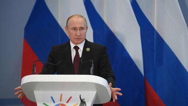 27 июля 2018. Президент РФ Владимир Путин во время пресс-конференции по итогам саммита лидеров БРИКС в Йоханнесбурге. - Sputnik France