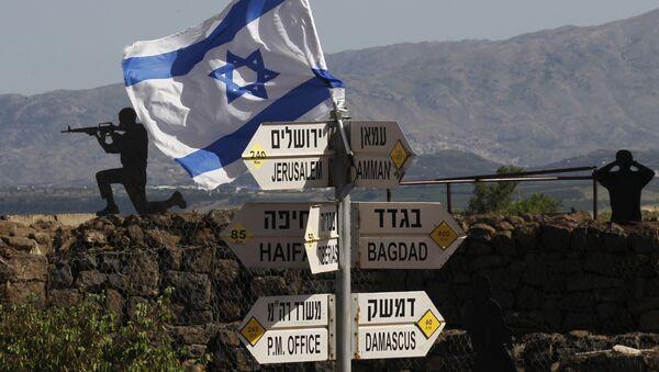 Израильский флаг на горы Бенталь в районе Голанских высот на территории, контролируемой Израилем - Sputnik France