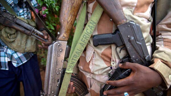 Un homme armé à Koui, en Centrafrique - Sputnik France