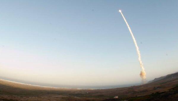 Un tir de missile Minuteman III depuis la base de Vanderberg - Sputnik France