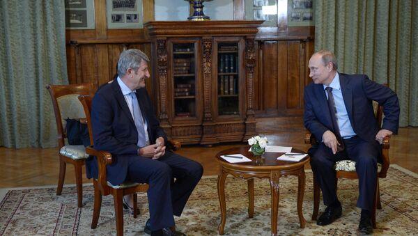 Philippe de Villiers et Vladimir Poutine - Sputnik France