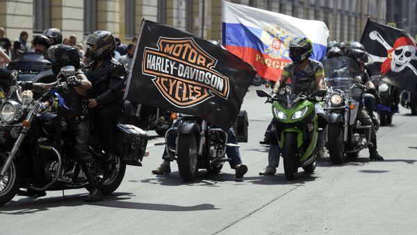 Le défilé international de motards à Saint-Pétersbourg - Sputnik France
