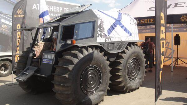 Le véhicule tout-terrain et amphibie russe Sherp - Sputnik France
