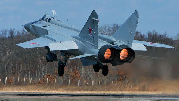 Un MiG-31 au décollage - Sputnik France