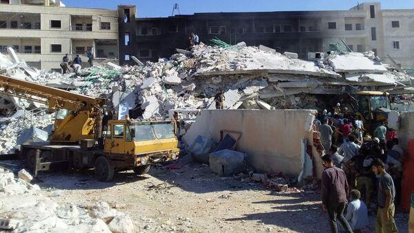 Une explosion à Idlib, en Syrie: des dizaines de victimes - Sputnik France