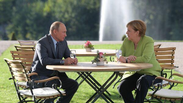 Vladimir Poutine, Angela Merkel - Sputnik France