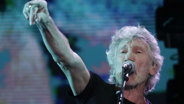Former member of Pink Floyd, British singer and songwriter Roger Waters performs during his concert of the Us+Them tour in Rome's Circus Maximus, Saturday, July 14, 2018 - Sputnik France