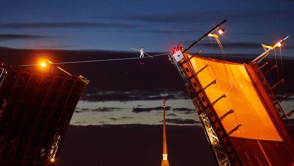Ce funambule russe qui «croit de son devoir» d'attirer l'attention sur ce métier rare - Sputnik France