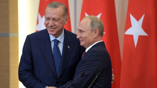 Les présidents de la Russie et de la Turquie. Le sommet s'est tenu à Sotchi ce lundi 17 septembre. - Sputnik France