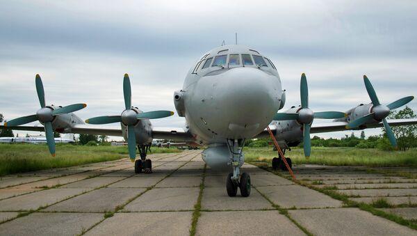 Самолет Ил-20 с российскими военными на борту потерпел крушение в Сирии - Sputnik France