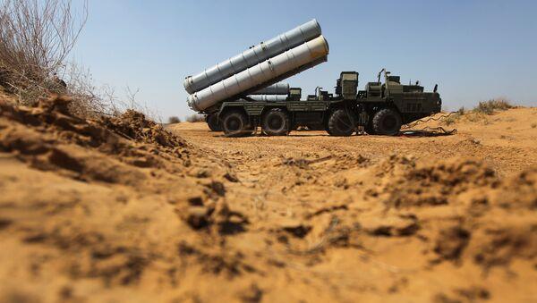 Un système de missiles S-300 (archive photo) - Sputnik France