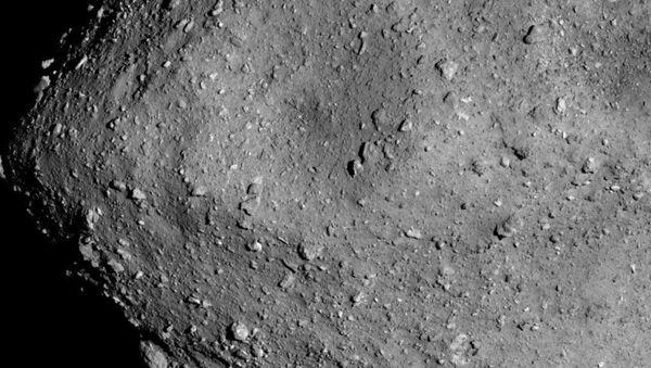 L'astéroïde Ryugu vu par la sonde Hayabusa2 - Sputnik France