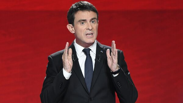 Former Prime minister and candidate for the French left's presidential primaries ahead of the 2017 presidential election, Manuel Valls takes part in the second televised debate between the candidates in Paris - Sputnik France