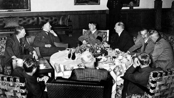 Verhandlungen der Staatschefs von Großbritannien, Frankreich, Italien und Drittem Reich vor der Unterzeichnung des Münchner Abkommens in Berchtesgaden - Sputnik France