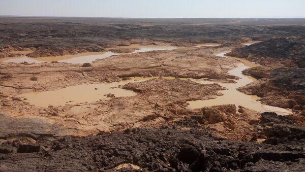 L'armée syrienne lutte contre Daech dans les roches volcaniques du désert de Soueïda - Sputnik France