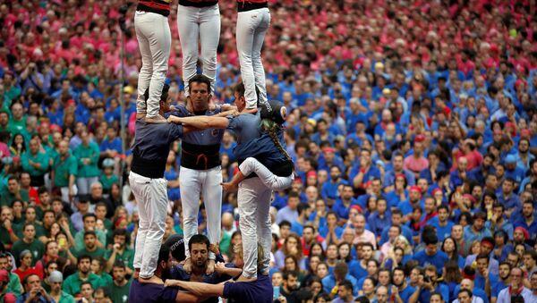 Concours de pyramides humaines en Espagne - Sputnik France