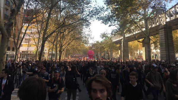 Manifestation du 9 octobre - Sputnik France