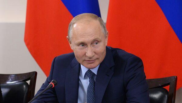 Рабочая поездка президента РФ В. Путина и премьер-министра РФ Д. Медведева в Ставропольский край - Sputnik France