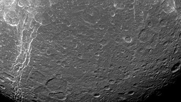 Dioné, lune de Saturne - Sputnik France
