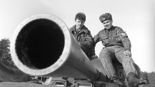Бойцы артиллерийского полка гвардейской 98-й Ивановской дивизии Воздушно-десантных войск РФ. - Sputnik France