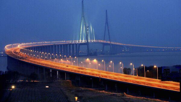 Sutong Bridge over the Chang Jiang (Yangtze River) — between Suzhou and Nantong, Jiangsu province — southern China (File) - Sputnik France