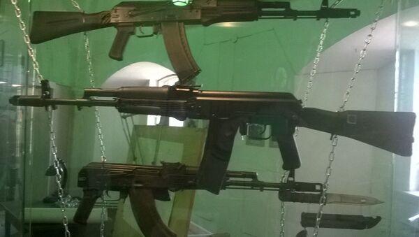 Fusils d'assaut AK-74M, AK-101 et AK-103 - Sputnik France