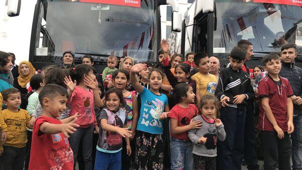 Réfugiés en Turquie, des Syriens rentrent progressivement chez eux - Sputnik France