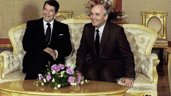 Ronald Reagan et Mikhaïl Gorbatchev - Sputnik France