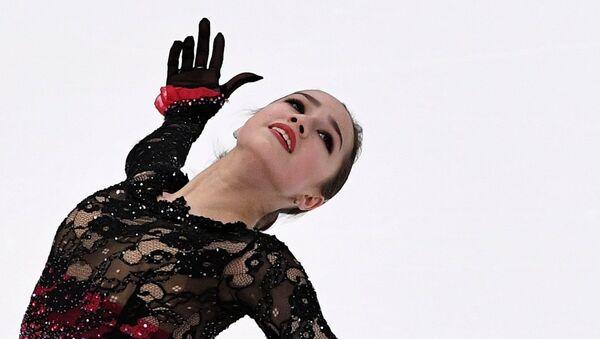 Alina Zagitova interprète son programme libre au Grand Prix d'Helsinki - Sputnik France