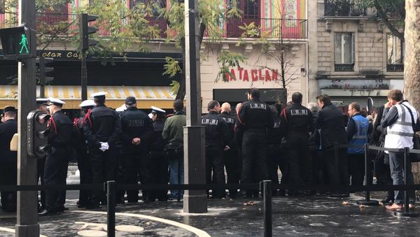 Le Bataclan au centre des hommages aux victimes des attentats du 13 novembre trois ans après le drame qui a frappé la France et cette salle, 13 novembre 2018  - Sputnik France