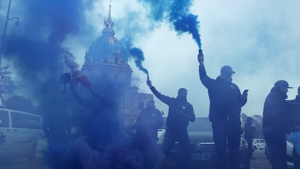 Les ambulanciers ne décolèrent pas: nouvelle action à Paris, 16 novembre 2018 - Sputnik France