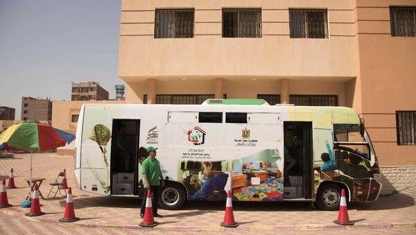 Patrouilles automobiles en Égypte: l'espoir de «petits clochards» - Sputnik France