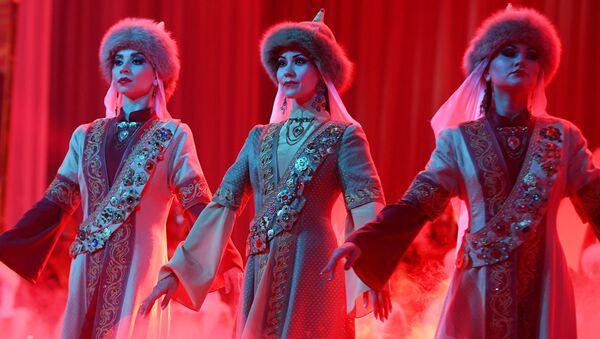 La lauréate et les finalistes du concours de beauté Tatar Kyizyi à Kazan - Sputnik France