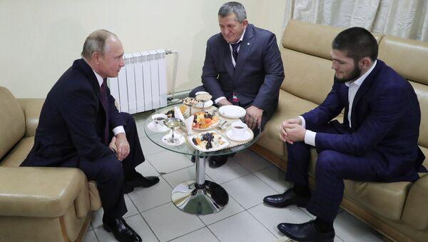 Khabib Nurmagomedov et Vladimir Poutine - Sputnik France