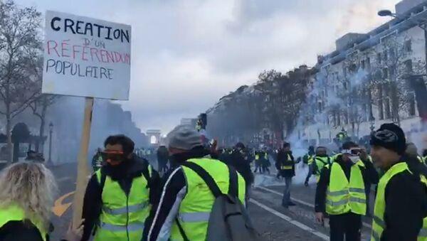 Les «gilets jaunes» entament l'acte 2 de la mobilisation à Paris, 24 novembre 2018 - Sputnik France