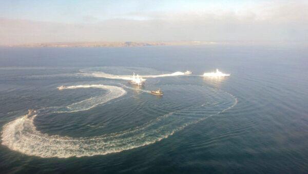 Des navires ukrainiens qui ont violé l'espace maritime russe près de la Crimée - Sputnik France